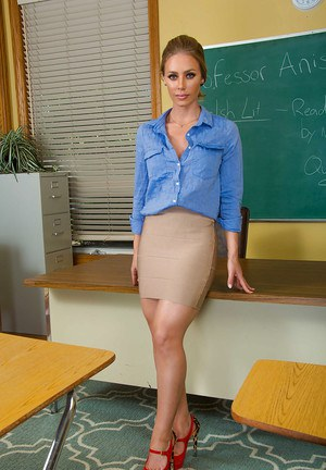 nood-pictures-milf-teacher-naked-bitches-bent-over